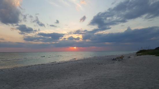 Gulf Tides of Longboat Key: 20160525_200618_large.jpg