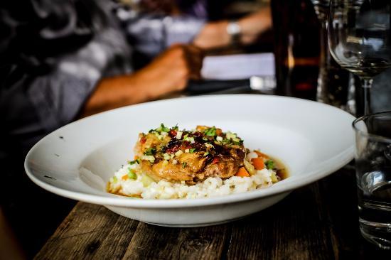 Jouques, Frankrike: Osso Bucco et risotto carnoli