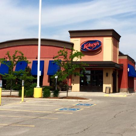 Bolton, Kanada: Front entrance