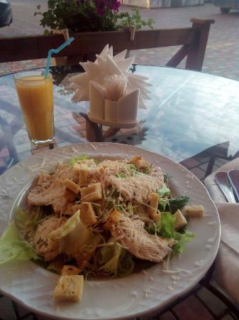Kamianets-Podilskyi, Ucrania: Caesar salad
