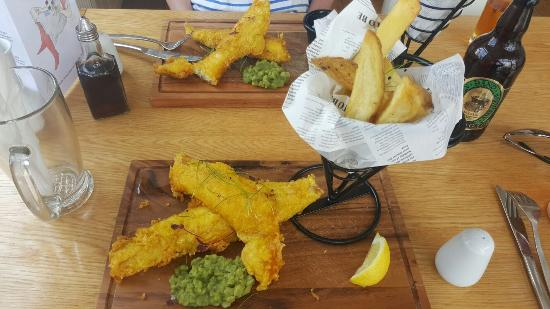 Portscatho, UK: Tasty fish and chips.