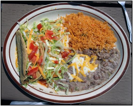 Dundee, Oregon: Crisp tacos with beans and rice