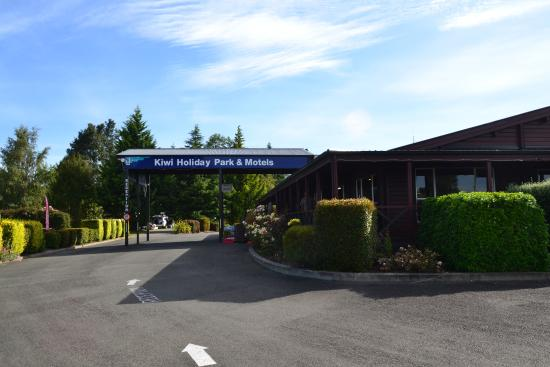 Te Anau Kiwi Holiday Park: welcome any time