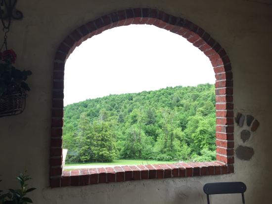 Floyd, VA: Amazing visit to this hidden gem. Feels like you're in Italy with the gorgeous views of the moun