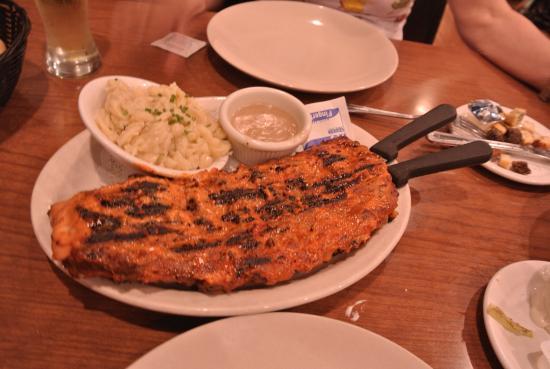 New Ulm, MN: The ribs...