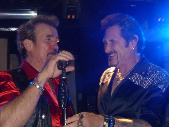 Feluy, Belgia: johonny Myrador chante johnny halliday