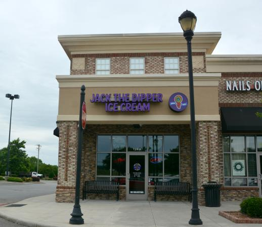 Mooresville, NC: New Ice Cream Shop at Perth Rd and River Hwy