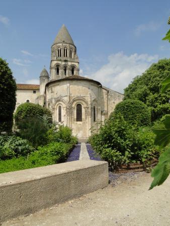 Saintes, Francia: l'abbaye, du jardin