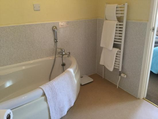 Haven House: En suite