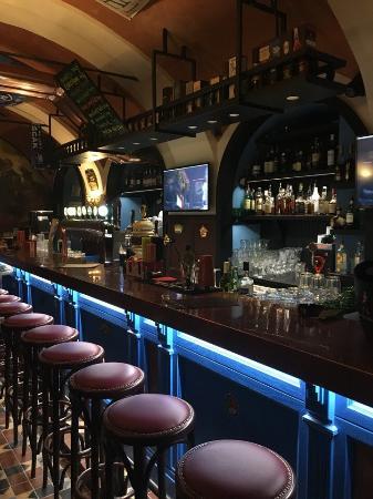 Potepuh Bar