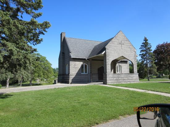 Coldwater, MI: Lovely chapel in southern cemetery.
