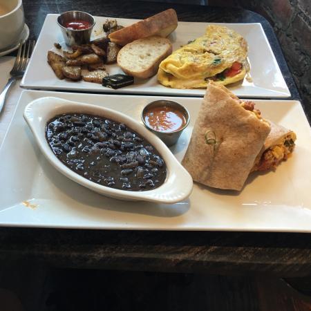 The Hoboken Gourmet Company: Mexican burrito & Garden omelette