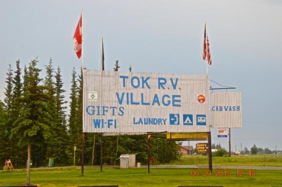 Tok, AK: Front yard
