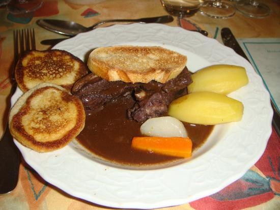 Bouilland, France : The Coq au Vin was out of this world. Not a fan of this dish but I lapped it up!