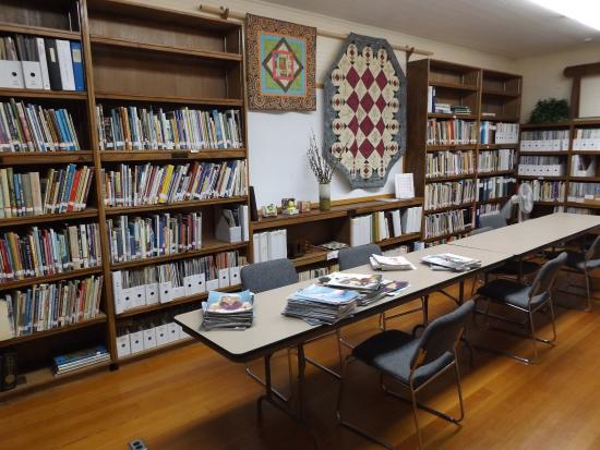 The library at the Latimer Quilt & Textile Center