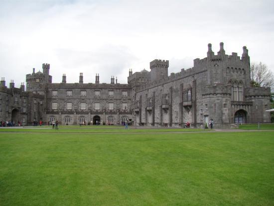 Κίλκεννι, Ιρλανδία: Exterior