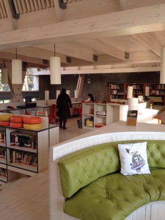 Biblioteca Municipal de Constitucion