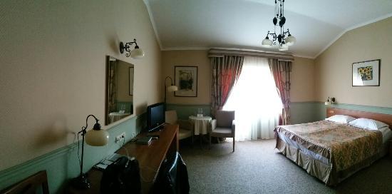 Large room, reasonable price