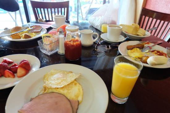Radisson Martinique on Broadway: breakfast