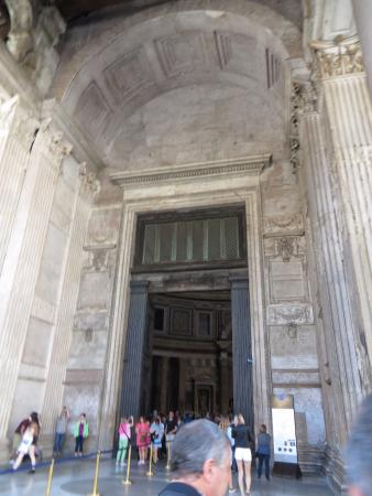Pantheon: Entrance and bronze doors & Entrance and bronze doors - Picture of Pantheon Rome - TripAdvisor Pezcame.Com