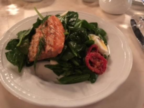 Колумбия, Мэриленд: Salade de Saumon