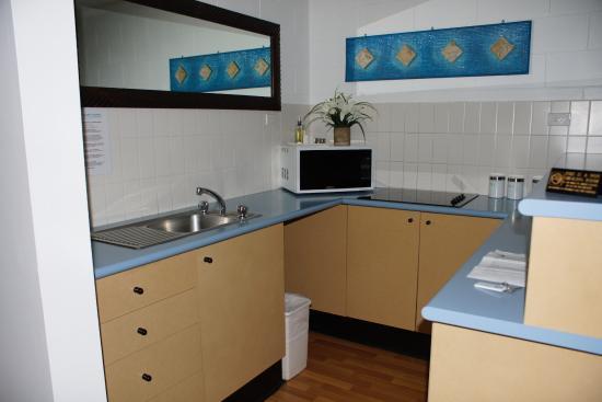 Cascade Gardens: Kitchen in suite