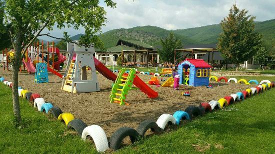 Vivianit Village