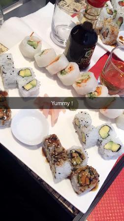 restaurant yummy sushi dans rennes avec cuisine japonaise. Black Bedroom Furniture Sets. Home Design Ideas