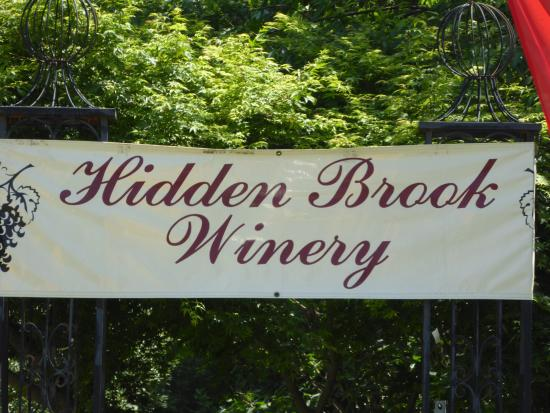 ‪Hidden Brook Winery‬