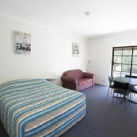 Tocumwal Hotel Motel