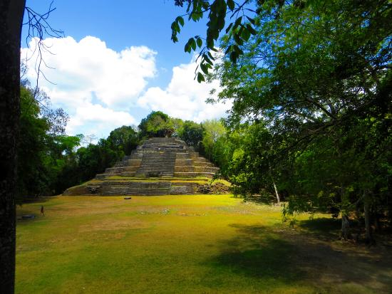 Orange Walk, Belice: Jaguar Temple at Lamanai