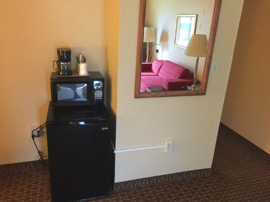Sun Prairie, WI: Fridge, microwave, coffee maker