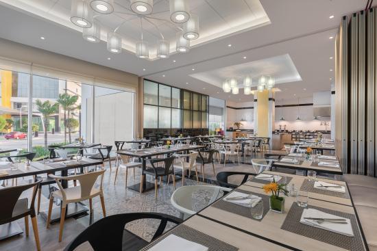 Clark Freeport Zone, Filippinene: HUES restaurant