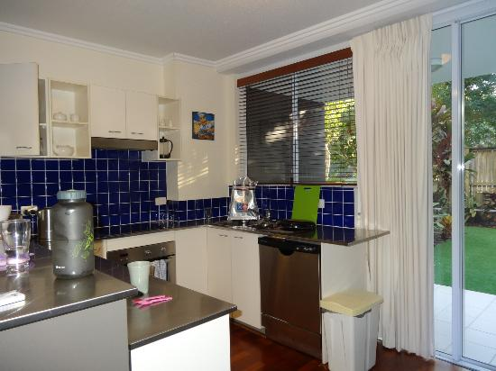 Seachange Coolum Beach: Kitchen