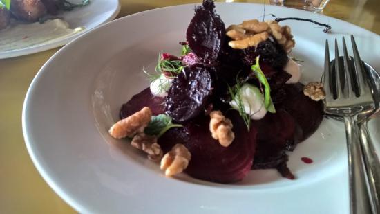 Smolt: Beetroot salad