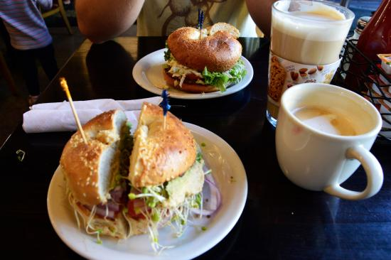 The Grind Cafe: lunch