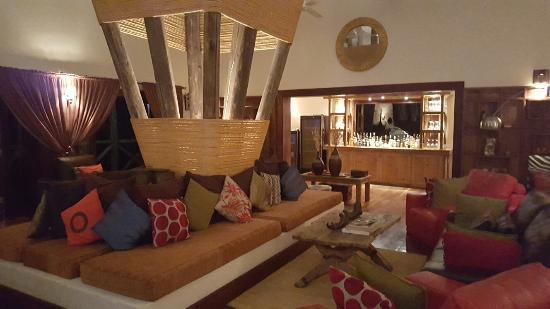 Escarpment Luxury Lodge: 20160528_204740_large.jpg