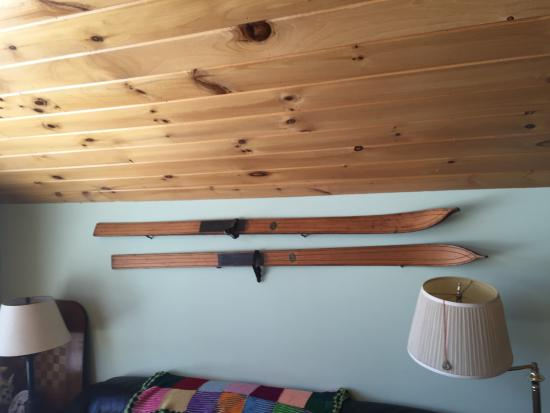 Copake, estado de Nueva York: old skis, can't use those on Catamount Ski any more
