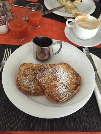 Hotel Serena Meuble: French  toast