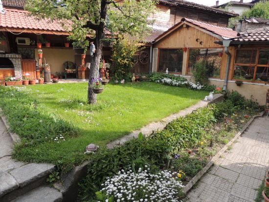 Guest House Bashtina Striaha