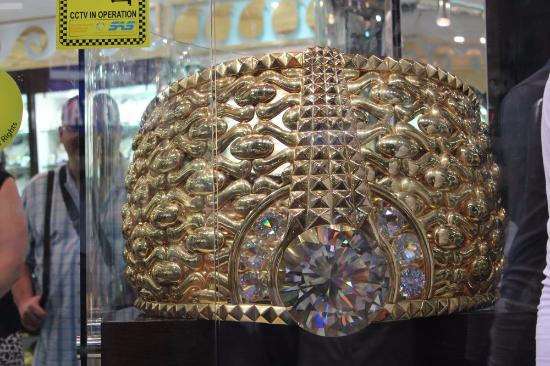 Worlds heaviest ring at the gold souk - Picture of Arabian