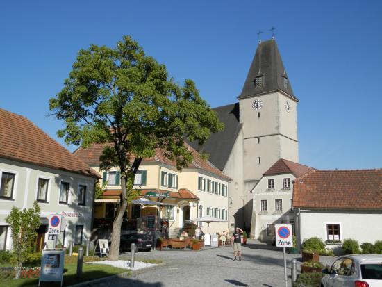 Dorf Hotel Gruner Baum