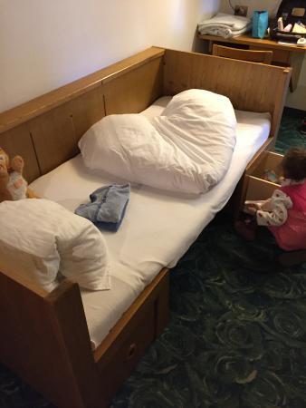 Hotel St. Anton: lettino della bimba