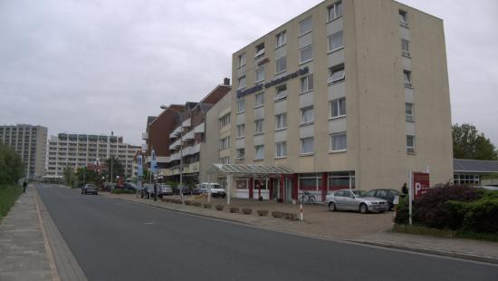 Hotel Deichgraf Cuxhaven: Hotelansicht seitlich