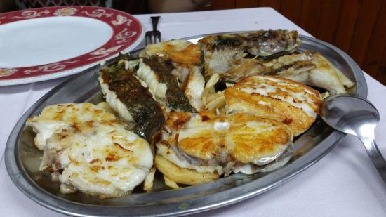 Fotograf a de bar restaurante casa tista - Parrillas para pescado ...