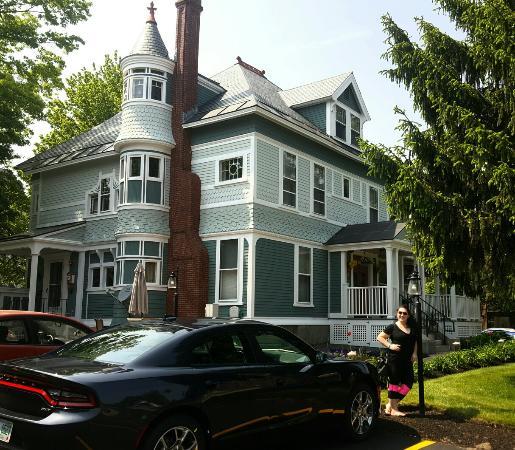 Ash Street Inn: 20160527_151145_large.jpg