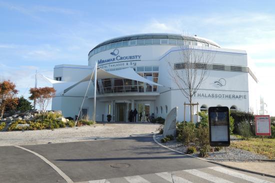 Lentrée De Lhôtel Picture Of Miramar La Cigale Hotel Thalasso - Thalasso port crouesty