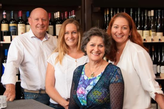Weinatelier Agnes: Familie