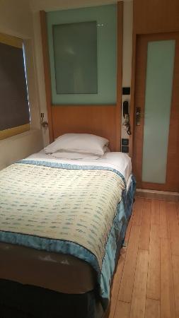 Hotel Bawa Continental: 20160526_183950_large.jpg