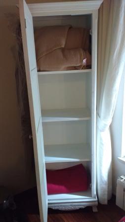 Calisto 6 Bed & Breakfast: Não tem guarda-roupa.